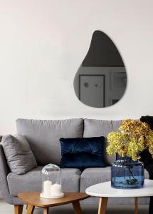 Spegel Slim Drop Warm Grey 80x55 cm