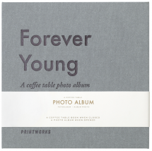 Forever Young (S) - A Coffee Table Photo Album (60 Svarta sidor / 30 blad)