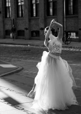 Bildverkstad Ballet woman on street